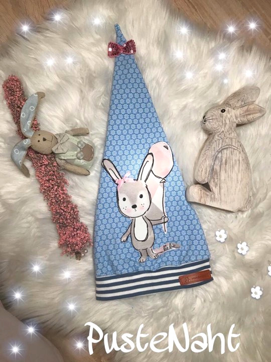 Freebook Zipfelmütze Zoe mit Hasen-Applikation und Schleife