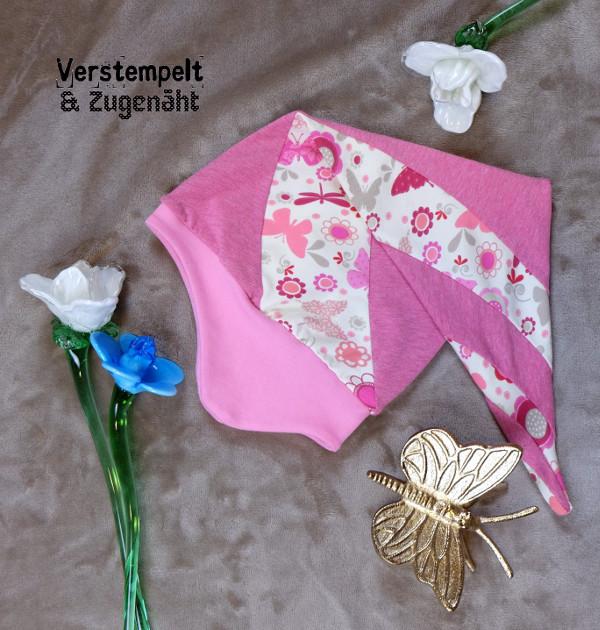 Spiral-Zipfelmütze nach dem Schnittmuster Zephyr für Mädchen in rosa mit Schmetterlingen