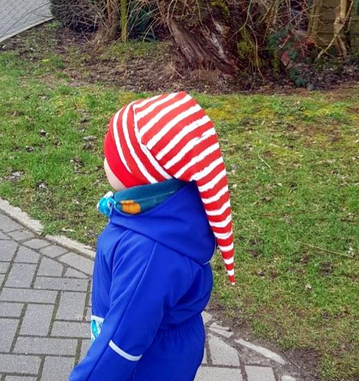 Zipfelmütze für Jungen nähen mit roten Streifen