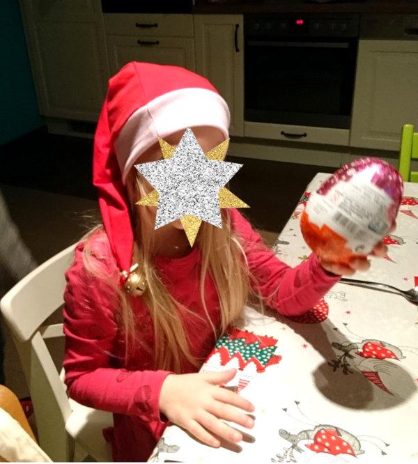 Selbstgemachte Nikolausmütze mit Glöckchen