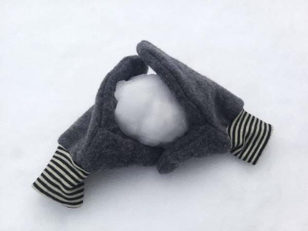 Schnittmuster Hendrik: Kinder Handschuhe aus Wollwalk im Schnee